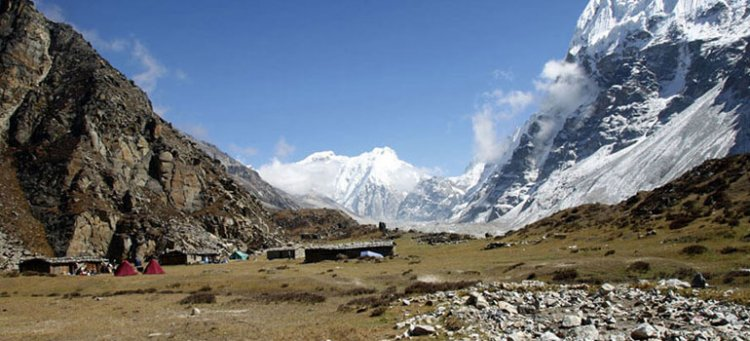 Kanchanjunga Base Camp Trekking